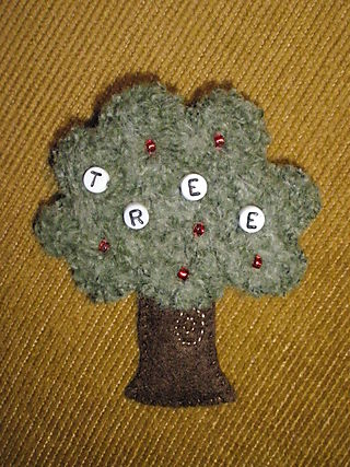 Tree brooch (c) Kristen Bailey, 2009
