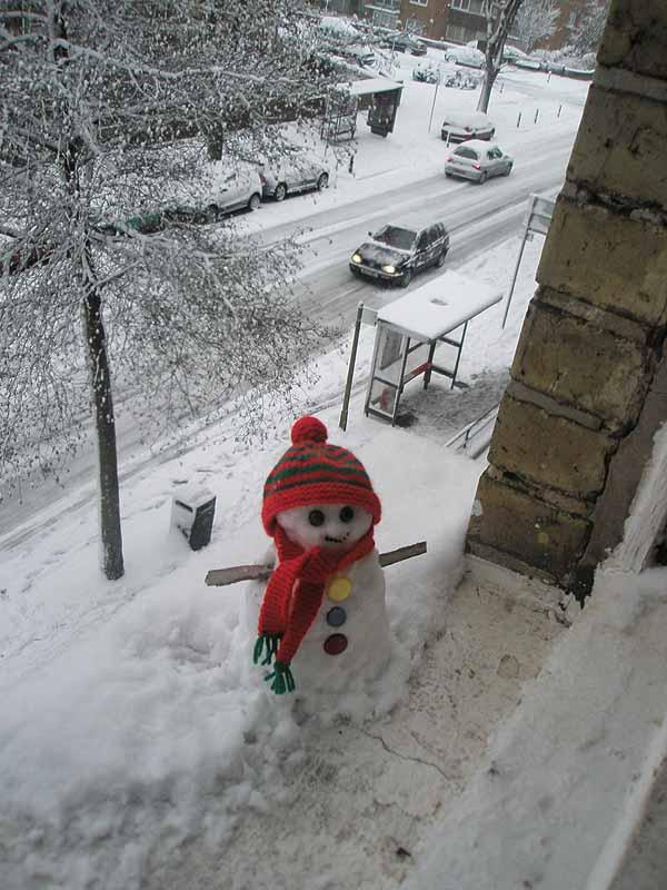 Snowman_on_sill