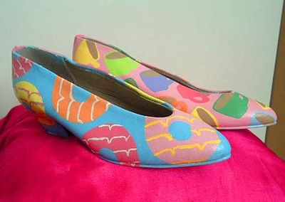 Shoes_tea_biscuits