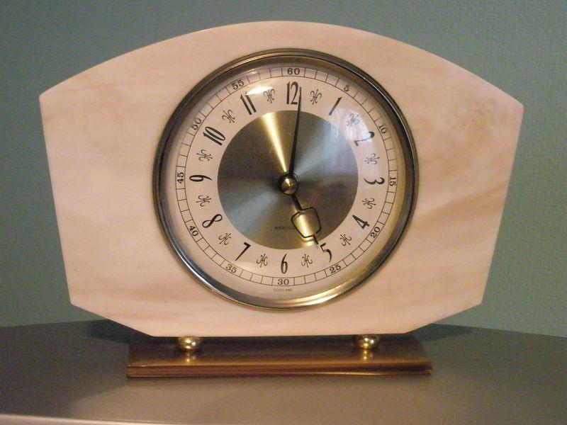 Mantel_clock