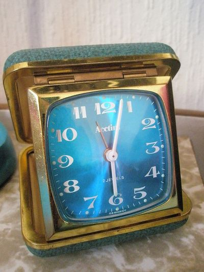 Turquoise_travel_clock